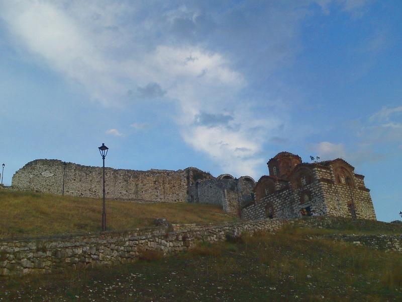 ベラット城