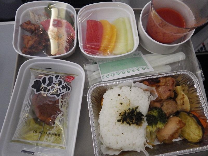 関西から北京までに出た機内食